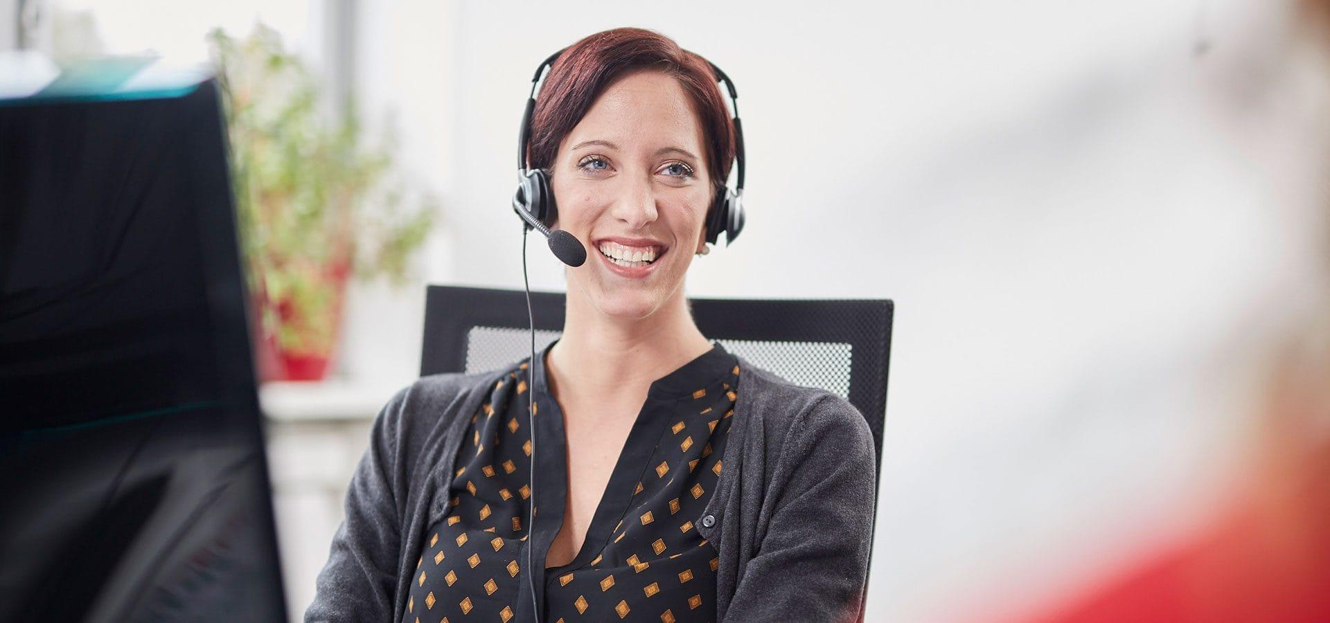 Vertriebsagentur Clarissa am telefon kaltakquise vertrieb beratung